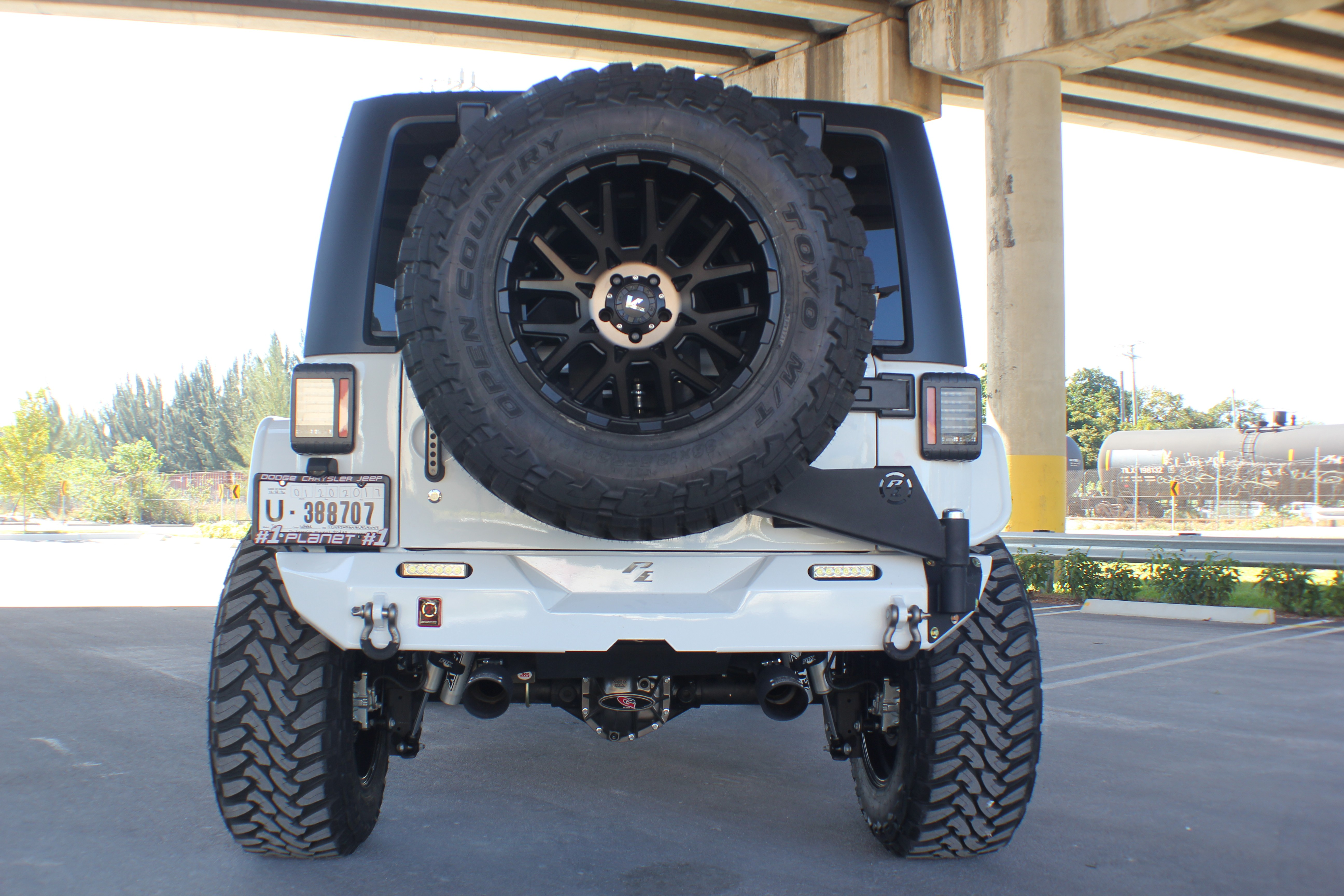 Img on Jeep Rear Bumpers With Tire Carrier